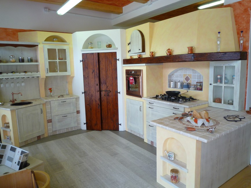 Mobili in legno e cucine in muratura